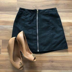 {H&M} NWT short A-line skirt black